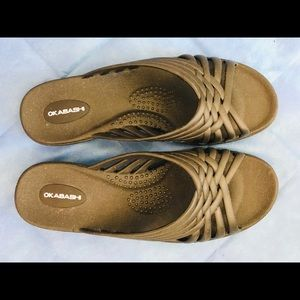 NWT womens slippers